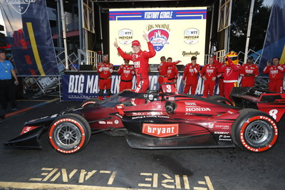 Honda's Marcus Ericsson rebounded from an opening-lap collision to win Sunday's inaugural Big Machine Music City Grand Prix in Nashville, Tennessee.
